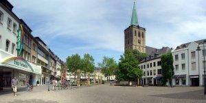 Panoramablick über den Remigiusplatz in Alt-Viersen